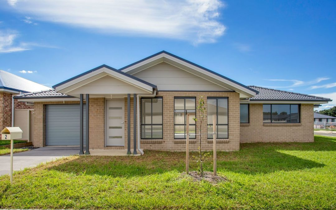 2 Lucas Close, Goulburn  NSW  2580